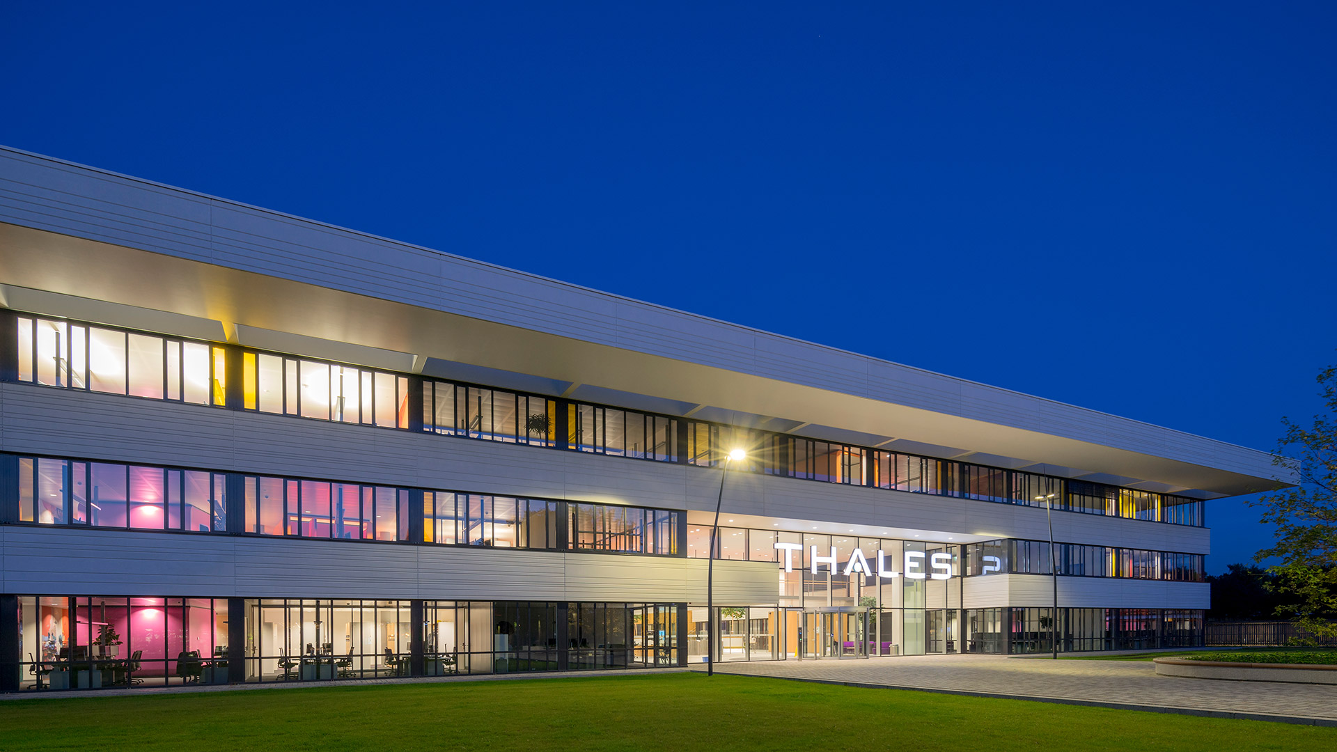 Thales-by-night-reitsema-and-partners-architects